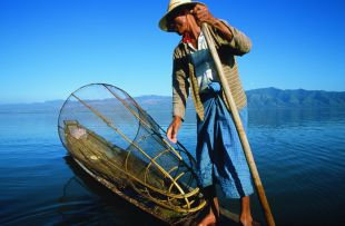 inle_lake_legrower__2